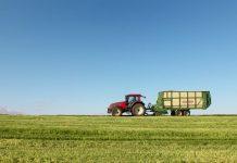 RSG Landbou, April, tractor sales